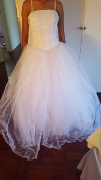 Beautiful white Princess wedding gown for sale