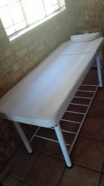 Salon Massage Bed and Chair