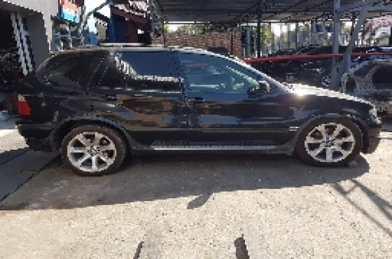 2006 BMW X5 4.8is Stripping For Spares