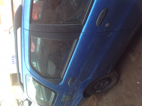Stripping Fiat Palio Weekend 2003 for Spares