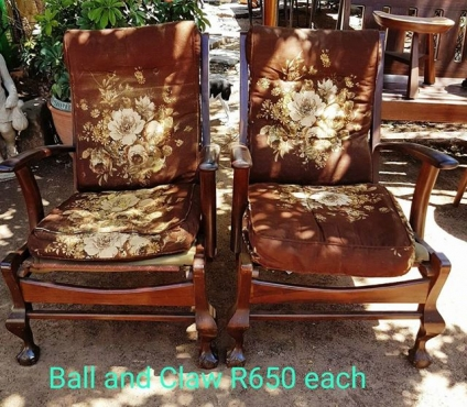 BALL AND CLAW RECLINERS WITH CUSHIONS
