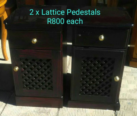 2 LATTICE PEDESTALS FOR SALE