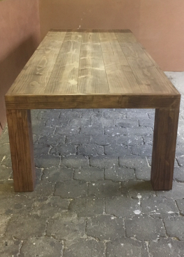 Patio table Chunky Farmhouse series 3000 with pillar legs Stained