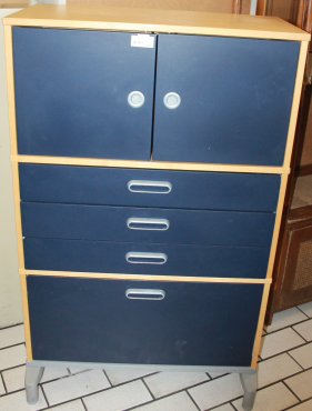 Blue filing cabiinet