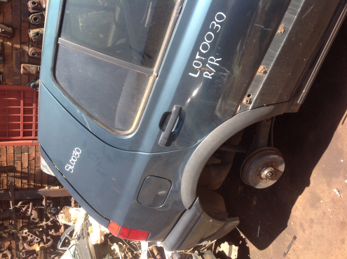 Stripping VW Golf 3 1997 for Spares
