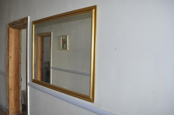 Large mirror and art deco picture.