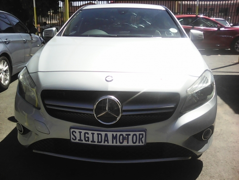 2015 mercedes-benz A200 A/T  hatch silver