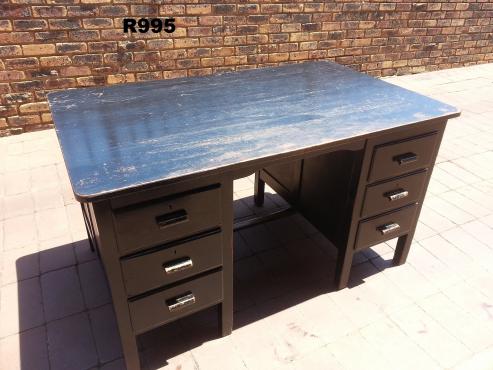 Black Teak Desk with 6 Drawers (1370x830x760)