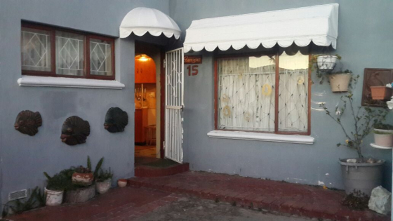 3 bedroom house with student quarters