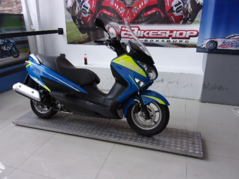 2016 Suzuki UH200 (f