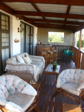 BONZA BAY -Lovely Upmarket Penthouse Apartment Holiday Home