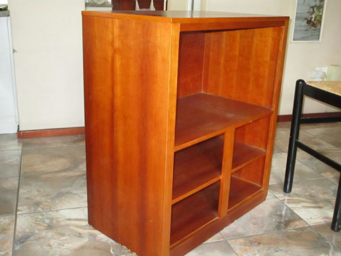 1 x Wooden TV cabinet