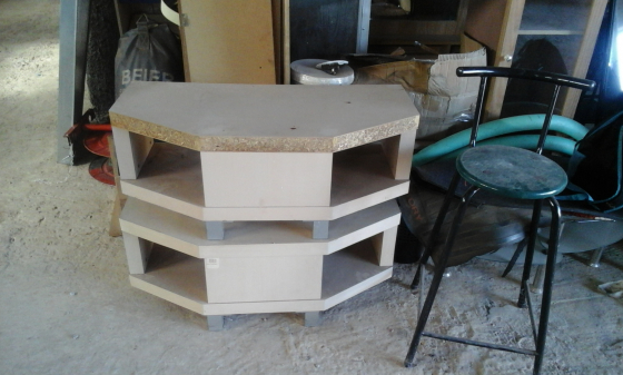 tv stand selling for 350