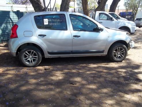 Renault Sandero door