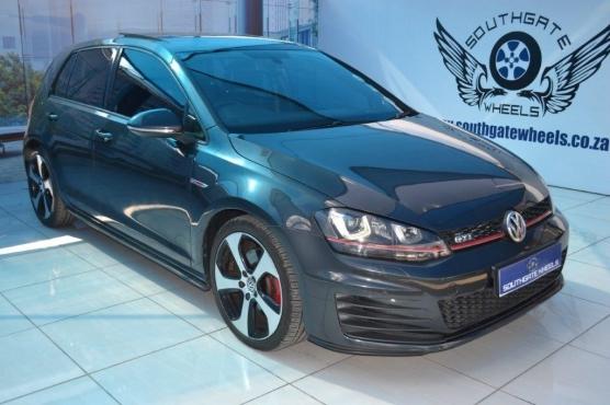 2015 Volkswagen  Golf VII GTi 2.0