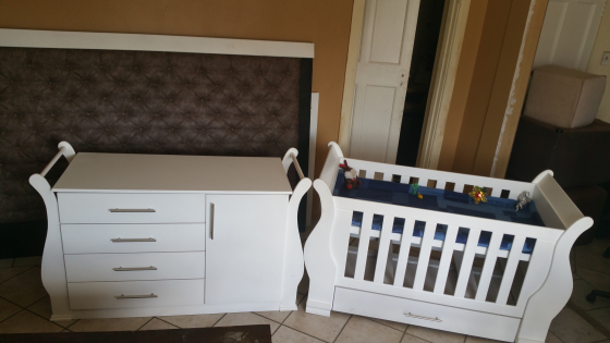 Stylish Cot and Compactum