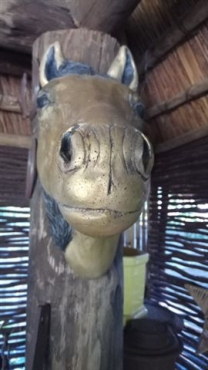 statue of Head of Horse