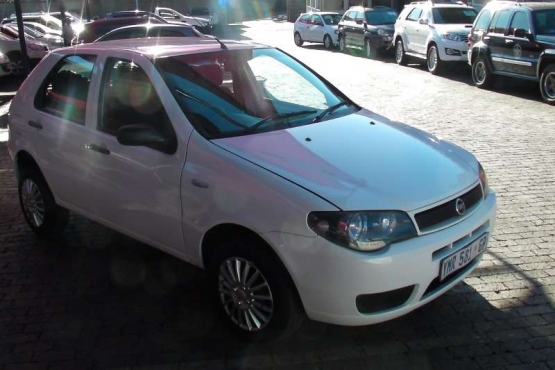 2009 FIAT PALIO 1.2 ACTIVE 5DR - URGENT SALE WHATSAPP OR CALL 083 600 4863