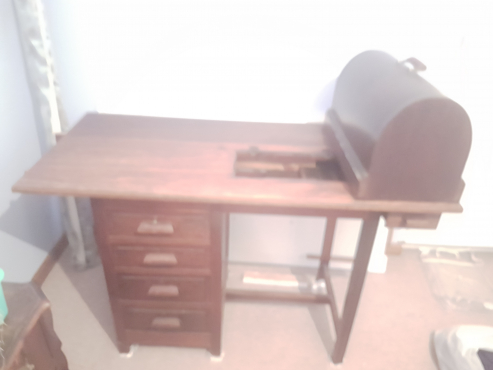 Wooden Desk 3 Drawers