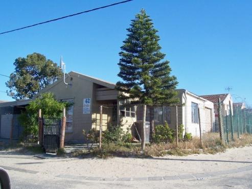 2-BEDROOM FREESTANDING HOME IN VOORBRUG DELFT FOR SALE