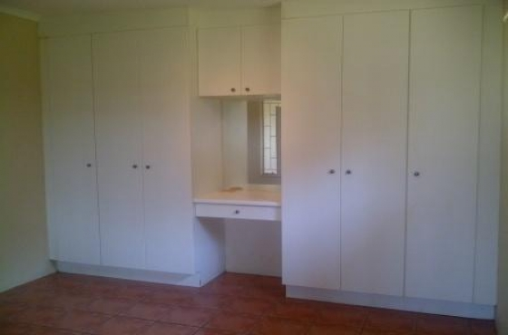 Modern 1 Bedroom Garden flat to rent in Plot