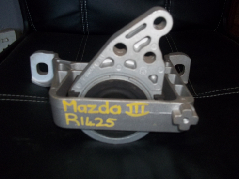 Mazda 3 engine mount