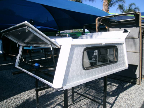 HILUX 05 DC ALLUMIN BUSTECH CANOPY 9258