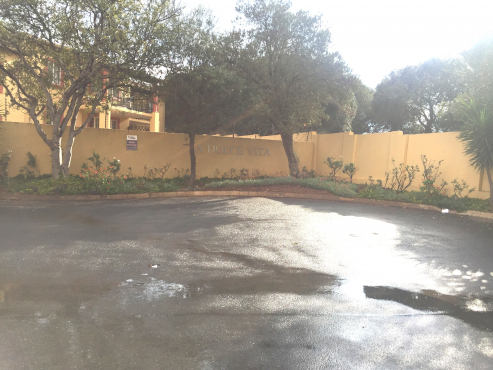 2 beds, 1 bath for sale near Northgate Mall