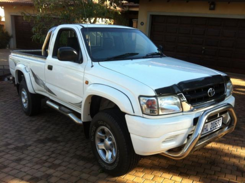 Accident Damaged Cars For Sale >> legend 35 in Cars in South Africa | Junk Mail