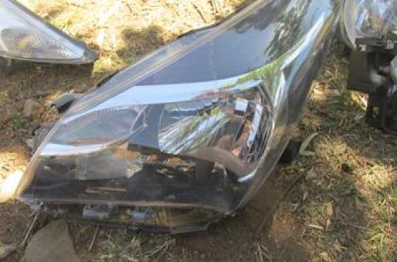 2016 Toyota Yaris Left Headlight For Sale