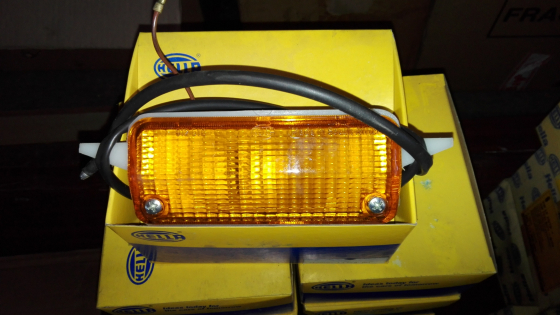 FORD ESCORT MK2 NEW FRONT INDICATOR COMPLETE LAMPS