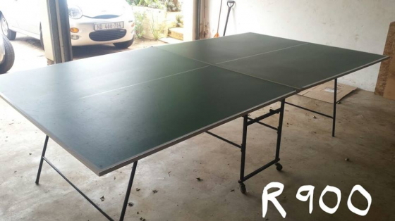 Table tennis fold-up table