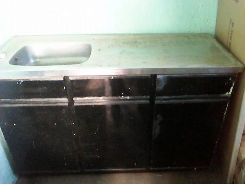 Wasbak 1 Meter : Staalkas met wasbak in junk mail