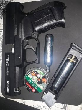 Gas gun met balletjies en gas