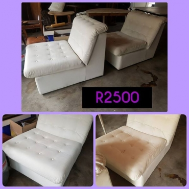 White recliner couches