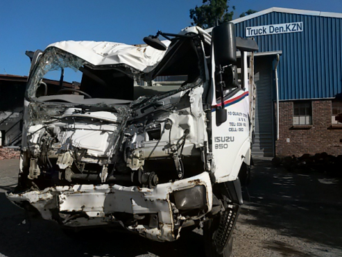 ISUZU 2012 - FTR 850 SMOOTHER TRUCK - Breaking 4 spares only .