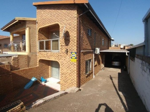 4 BEDROOM HOUSE IN WESTCLIFF CHATSWORTH TO RENT