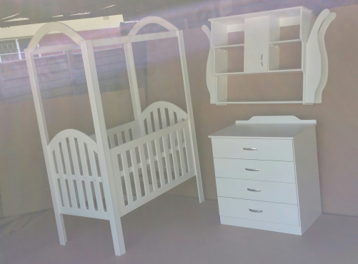 Modern baby cot and compactum set