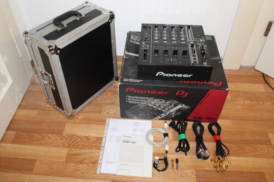 Pioneer DJM750-K 4 Channel Pro DJ Mixer Black with case