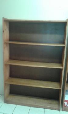 Office Desk and Matching bookshelf