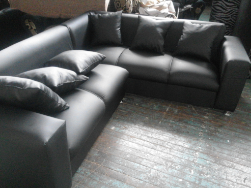 new leather corner lounge suite