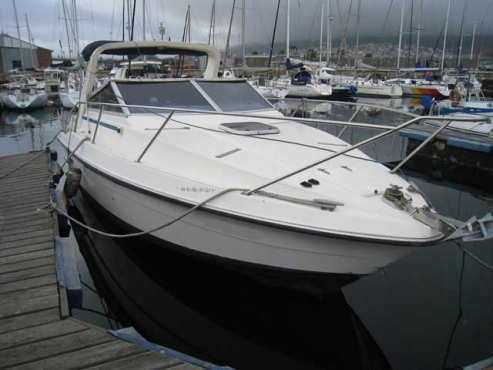 Boat cabin cruiser Fairline 33ft