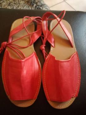Nr 7 nuwe sandaal
