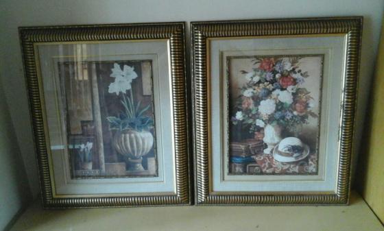 Set of 2 framed prints.