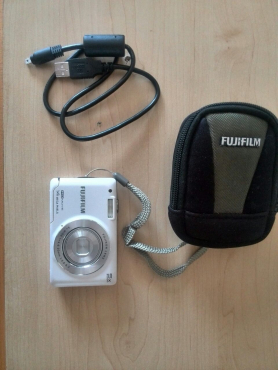 Barely used Digital Camera For Sale.  R499 Excellent condition!