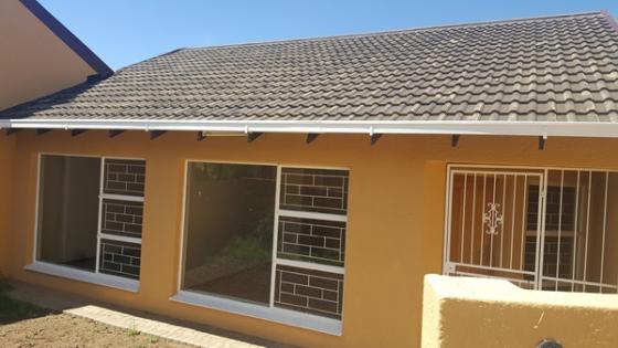 2 bedroom Townhouse for sale in Pellissier, Bloemfontein