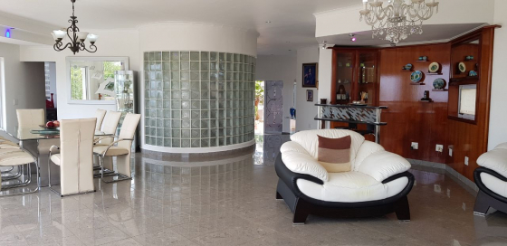 House for Sale in La Lucia