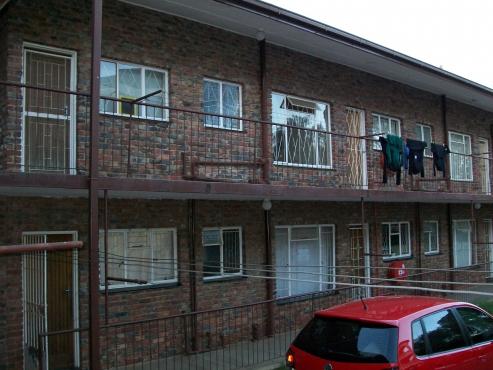 2 Bedroom ground floor apartment for sale in Navalsig, Bloemfontein