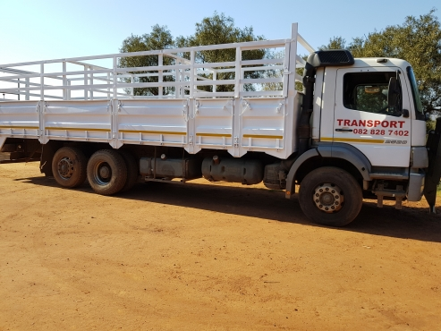 MERCEDES BENZ CATTLE TRUCK FOR SALE
