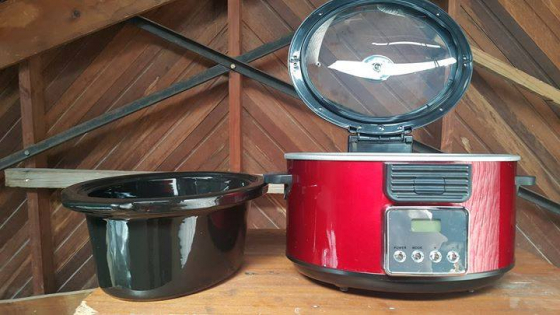Brand new in a box Bella programmable Slow cooker